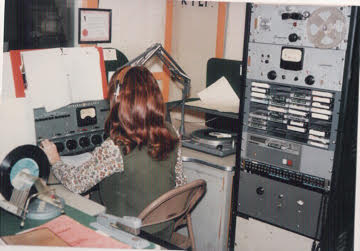 Always hard at work: Patty Lee as a DJ at KVOF-AM, El Paso, 1970.